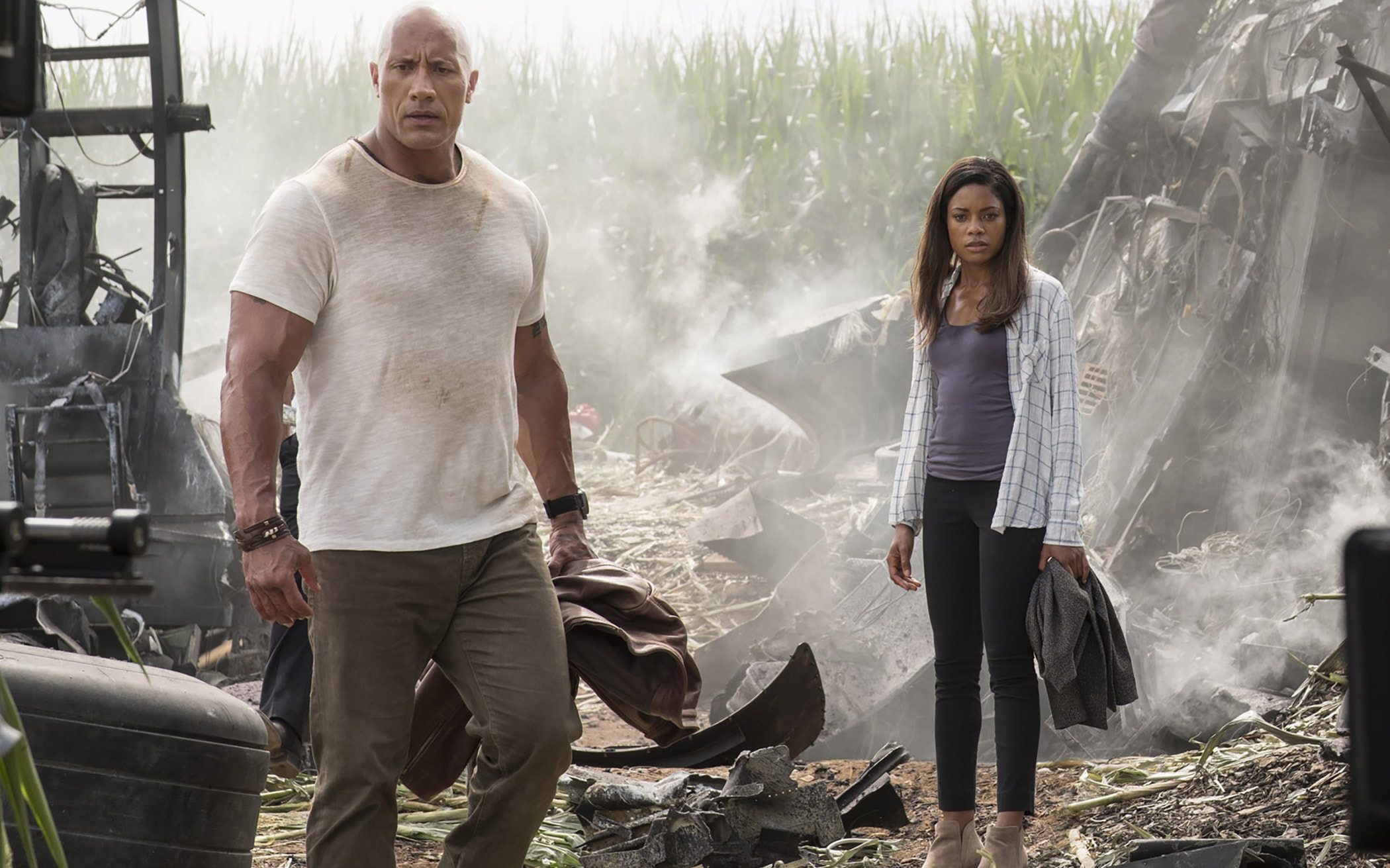 RAMPAGE DEVASTACIÓN Dwayne 'The Rock' Johnson y Naomie Harris